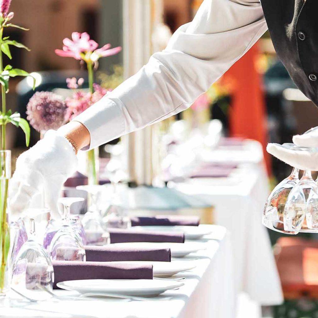"""Аренда гостиницы и ресторана в Италии - пакет услуг """"Корпоративное мероприятие в Италии"""" - OBICONS"""
