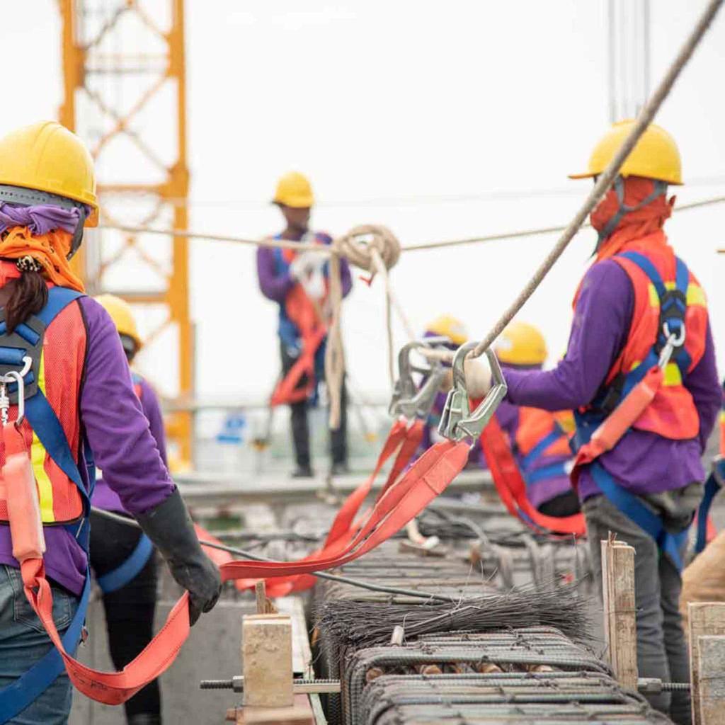 Сварщики и строительные рабочие в Италии - OBICONS